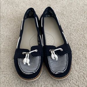 TOMS boat shoes size 9